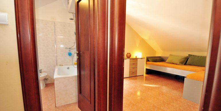 Apartament-Kantri-2-spalni--Orahovac-01