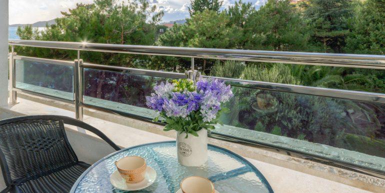 Balcony 1-01