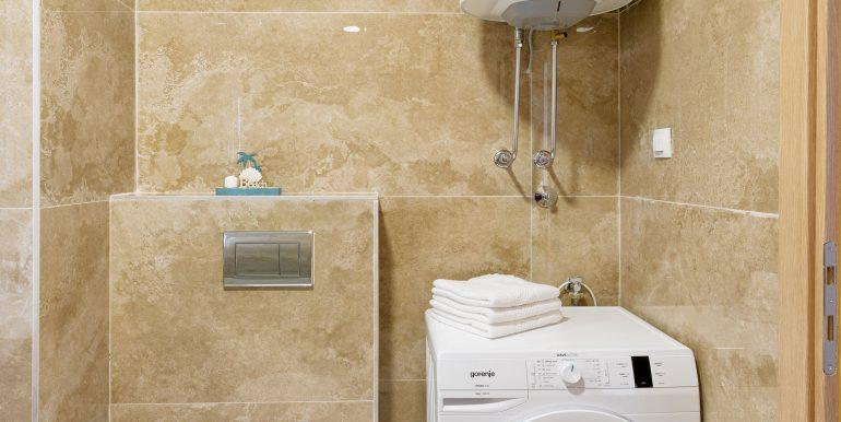 Bathroom 1-03